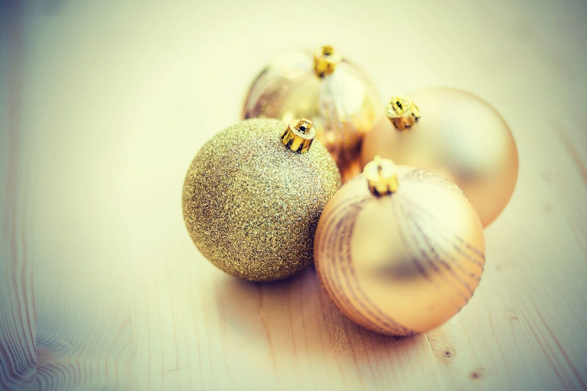 gold-ornaments